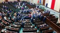 معاون نخستوزیر لهستان کنارهگیری کرد