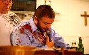 حمله مار، کشیش را روانه بیمارستان کرد! +فیلم