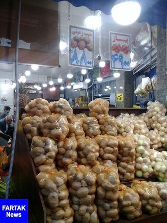قیمت سیب زمینی در بازار به مرز ۱۰ هزار تومان رسید