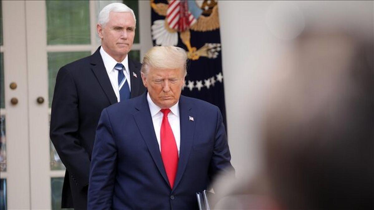 ترامپ همچنان پشت درهای بسته میگوید هرگز استعفا نمی کند!