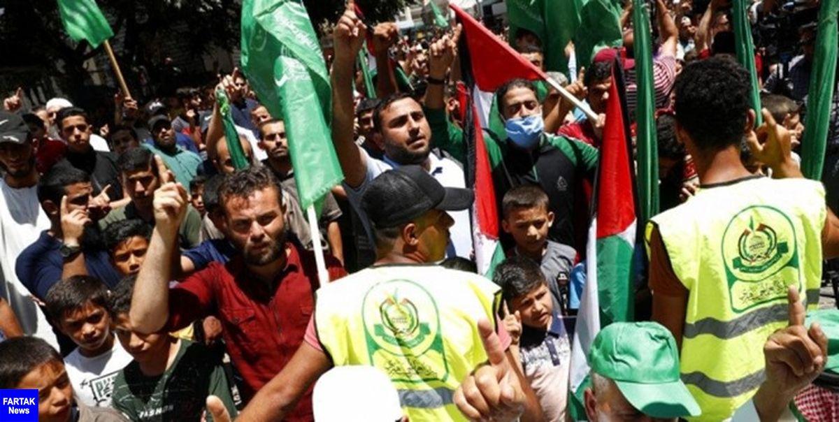 تشکیل زنجیره انسانی در غزه به نشانه مخالفت با طرح اشغال کرانه باختری