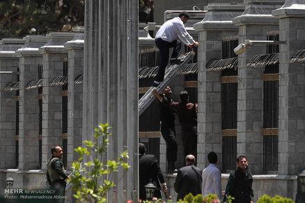 ترفندی کثیف از تروریست های حادثه تهران+عکس