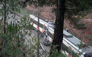 خارج شدن مرگبار قطار از ریل در بارسلونا + فیلم
