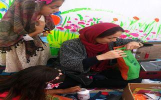 آموزش صنایعدستی و کاردستی دختران و پسران روستای تپانی دشتذهاب به روایت تصویر