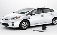 سیاست های مجلس برای کاهش پلکانی تعرفه واردات خودروهای هیبریدی