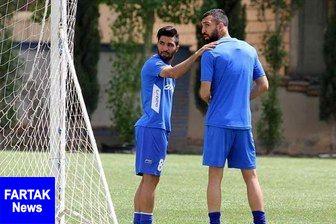 حمله هواداران استقلال به دو بازیکن
