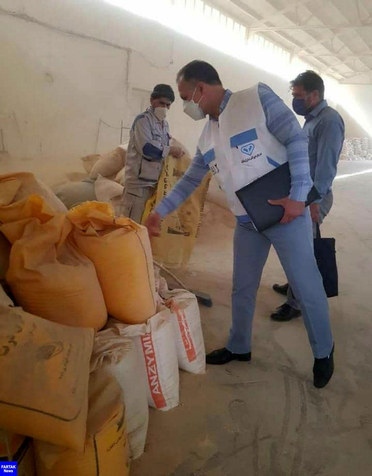 کشف بیش از 40 تن گندم از یک کارخانه خوراک دام در شهرستان کرمانشاه