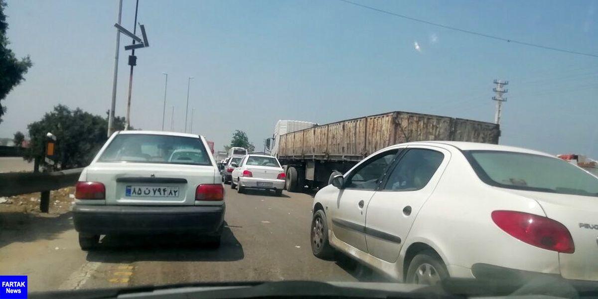 ترافیک در مسیرهای هراز و فیروزکوه سنگین است