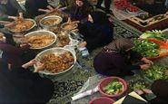 تلاش زنان برای تهیه غذا برای امدادگران در ارتفاعات دنا+عکس