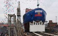 کشتی یخ شکن هستهای روسیه به آب انداخته شد+فیلم