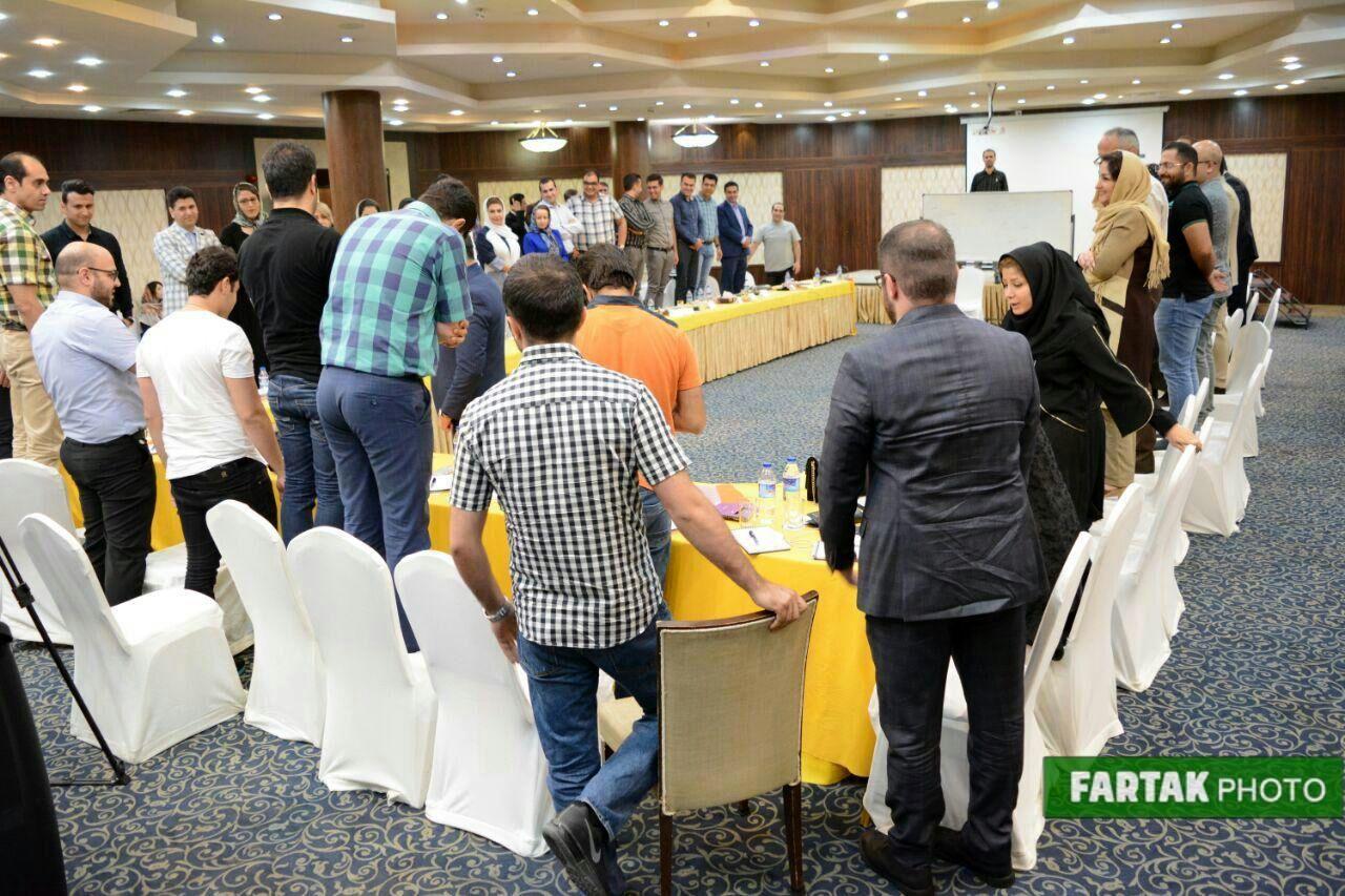 برگزاری دورهی مدیریت سرآمد شرکت برادران  فرامرزی در هتل پارسیان